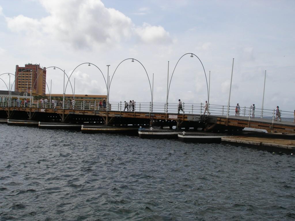 Koningin Emmabrug op Curaçao